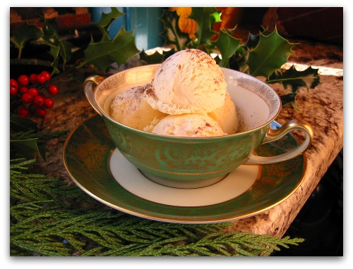 eggnog ice cream Eggnog Ice Cream: The Easiest Recipe Ever