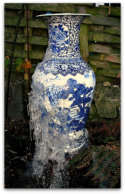 porcelain fountain ice1 How to Make a Garden Fountain